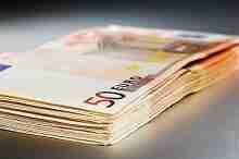 Einige Banknoten im Wert von 2000 Euro