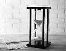 Stundenglas mit Kalender