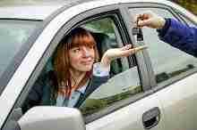 Schlüsselübergabe – kreditfinanzierter Autokauf