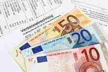 Euroscheine und Verdienstbescheinigung – digitaler Kreditabschluss bei der Postbank
